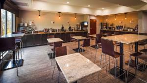 Best Western Magnolia Inn and Suites, Hotely  Ladson - big - 54