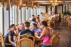 Huong Giang Hotel Resort & Spa, Resort  Hue - big - 147