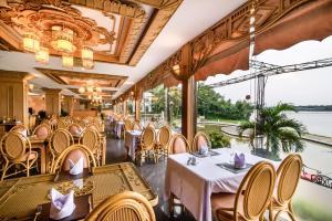 Huong Giang Hotel Resort & Spa, Resort  Hue - big - 78
