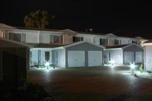 gold coast hinterland accommodation gold coast australia. Black Bedroom Furniture Sets. Home Design Ideas