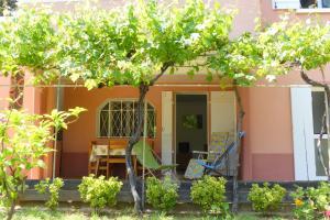 obrázek - La Ciotat agréable T3 en rez de jardin, 45 Avenue du Mugel