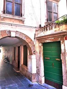 Bright Apartment at Tartini Square