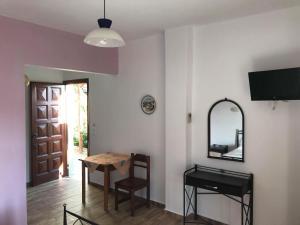 Elina Apartments Andros Greece