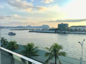 Moc Tra Hotel Tuan Chau Hạ Long, Отели  Халонг - big - 65