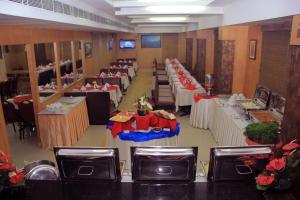 Pattom Royal Hotel, Отели  Тривандрум - big - 12