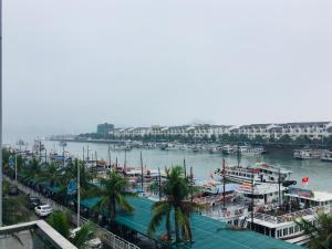 Tuần Châu, Hotel  Ha Long - big - 7