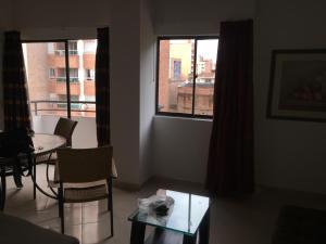 Excelente, moderno, amoblado y bien ubicado apartamento en Laureles, Medellín