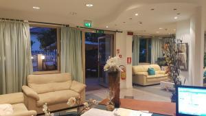 Hotel Fucsia, Отели  Риччоне - big - 17