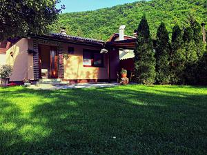 Retro House Visoko, Holiday homes  Visoko - big - 1