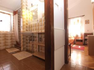 Apartment Tea 1651, Apartmanok  Pješčana Uvala - big - 42