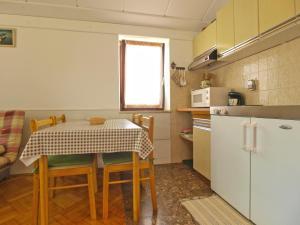Apartment Tea 1651, Apartmanok  Pješčana Uvala - big - 43