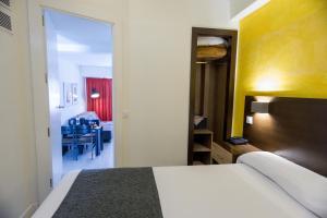 Apartamentos Serrano Recoletos (1 of 109)