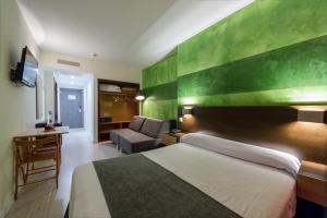 Apartamentos Serrano Recoletos (31 of 49)