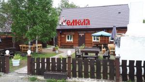 Гостиничный комплекс Емеля, Зелёная Поляна