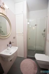 Warsaw Concierge Vistula Apartment