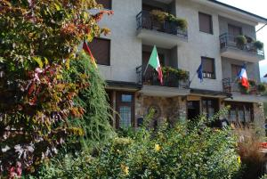 Hotel Trois Etoiles - AbcAlberghi.com