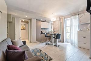 Apartment Suite Valentino Park - A ca d'amis 6 - AbcAlberghi.com