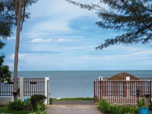 Pranburi Beach Front House - Ban Mai