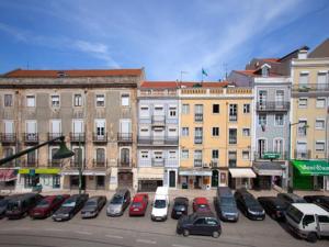 Traveling To Lisbon Graca