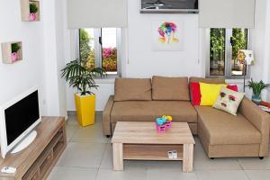 Villa Helen,Colonian beach villas, Vily  Meneou - big - 26