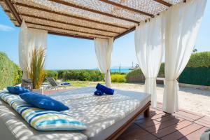 Blancarena, Holiday homes  Playa de Muro - big - 8