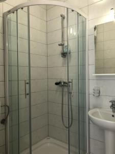Apartments & Rooms Nardin