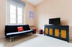Crocetta & Porta Nuova Colourful Flat - AbcAlberghi.com