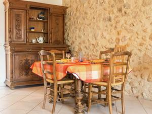 Beautiful Holiday Home in Murviel-les-Beziers with Pool
