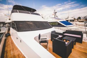 Motor Yacht Boatel