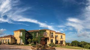 Dio Dell Amore Guest House, Bed and Breakfasts  Jeffreys Bay - big - 1