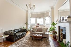 City Centre Flat with Castleview