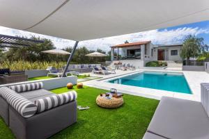 Domek Villa Ampelaki - with heated pool Kounoupidiana Grecja