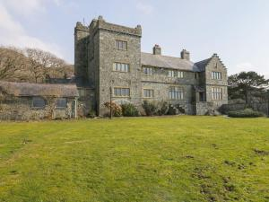 Plas Mynach Tower Apartment, Barmouth