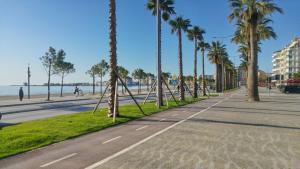 Promenade Beach Studio Apartment - Vlorë