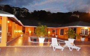 Spacious hillside villa with a large pool and sea views. Best by far in the area, Holiday homes  Whitehouse - big - 1