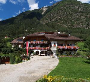 Haus Tirol - AbcAlberghi.com
