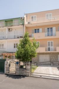 Apartment Nono near the beach with parking, Apartmány  Split - big - 8