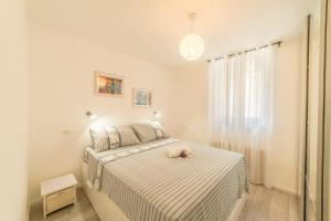 Apartment Nono near the beach with parking, Apartmány  Split - big - 12