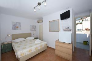Karboni Hotel, Penziony  Mykonos - big - 39
