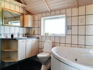 Holiday home P. Chr. Dahls Vej Hvide Sande X, Nyaralók  Bjerregård - big - 4