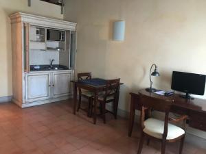 Hotel La Cantina, Отели  Medolla - big - 10