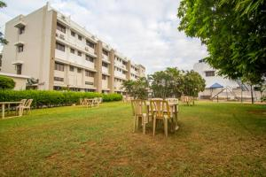 Gayathri Hotels, Отели  Tiruppūr - big - 11