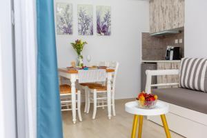 La isla, Appartamenti  Naxos Chora - big - 11