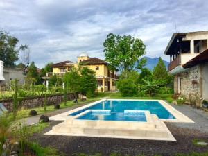Jardin Casa la Historia - Entre Volcanes - Antigua Guatemala