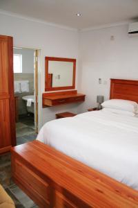 Serowe Hotel