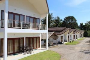 Naga Peak Resort - Ban Laem Som