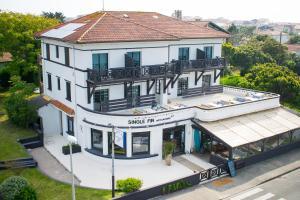 __{offers.Best_flights}__ Single Fin Hotel & Lodge