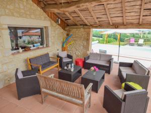 Spacious holiday home in Castelmoron-sur-Lot with Garden