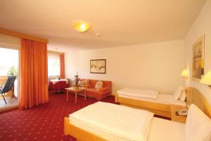 Aktiv-Hotel Traube, Hotel  Wildermieming - big - 75