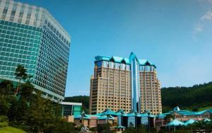 High1 Grand Hotel Main Tower a..